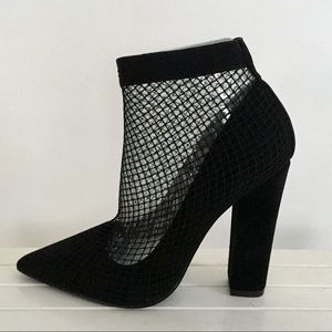 NWT Black - Mesh high heels shoes size 7